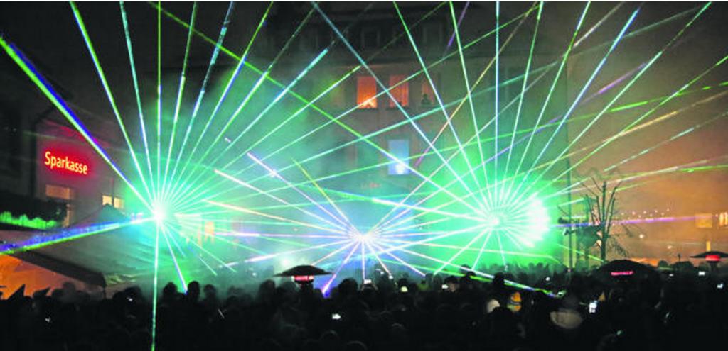 """Der Hingucker zum Jahreswechsel: """"Oischnak"""" hatte eine spektakuläre Lasershow organisiert."""